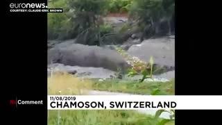 جاری شدن گل و لای خروشان در سوئیس