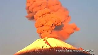 تصاویری زیبا از فوران  کوه آتشفشان در مکزیک