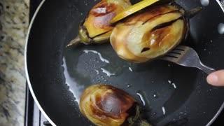 طرز تهیه مسمای مرغ و بادمجان