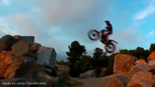 عبور از مانع با موتورسیکلت توسط تونی بو