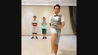 رقص آذربایجانی بسیار شاد توسط سه پسر بچه