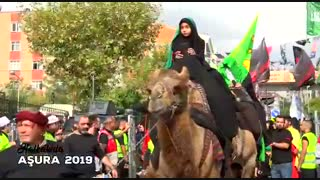 عزاداری مردم ترکیه در ظهر عاشورا- لبیک یا حسین