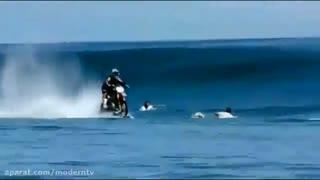 موتور سواری حرفه ای در خشگی و دریا