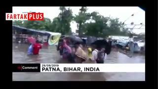 سیلی که تاکنون جان حداقل ۱۰۰ نفر را در هند گرفته است