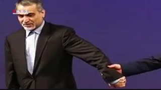 دست به دست کنید، برسه دست فریدون!