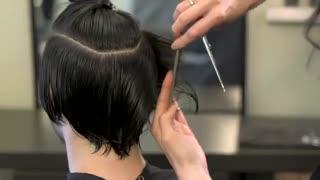 آموزش مدل مو صاف مردانه- مومیس مشاور و مرجع تخصصی مو