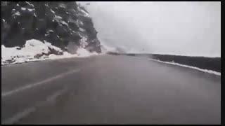جاده چالوس بارونی هوای دو نفره