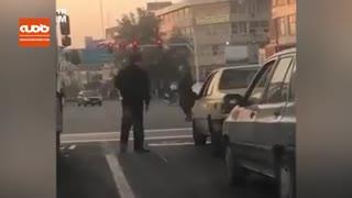 تذکر پلیس راهنمایی و رانندگی به شخصی