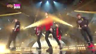 اجرای آهنگ EOEO از گروه uniq