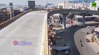 سقوط ناگهانی یک ماشین از آسمان