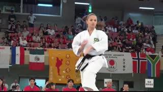 خوشگل ترین کاراته باز جهان !
