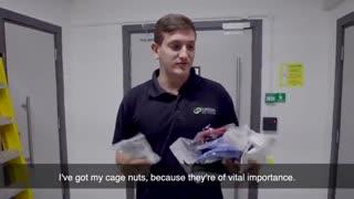 یک روز در زندگی از مرکز داده ها: خدمات RACKING با ASH & JAMES!