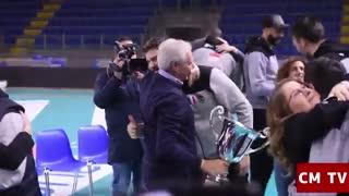 جشن قهرمانی تیم والیبال لوبه پس از قهرمانی در جام باشگاه های جهان