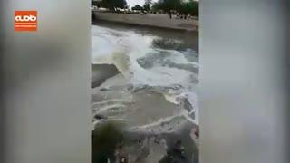 فاضلاب شهری متعفن و بدبو در شهر بندرعباس به خلیج فارس میریزد