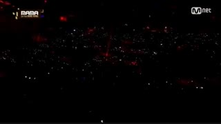 آهنگهای lightsaber+transformer+overdose پرفورمنس گنسرت گروهی اعضای اکسو(فک کنم 2018؟!)