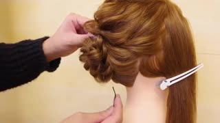 آموزش  مدل مو دخترانه مجلسی برای موهای متوسط- مومیس مشاور و مرجع تخصصی مو