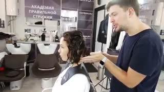 آموزش  مدل مو کوتاه برای موهای مجعد- مومیس مشاور و مرجع تخصصی مو
