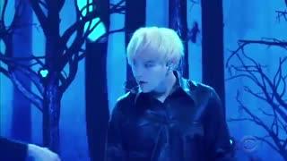 اجرا بی نظیر آهنگ Black Swan  از BTS در برنامه the late late show ♡~♡ پیشنهادی * بی تی اس