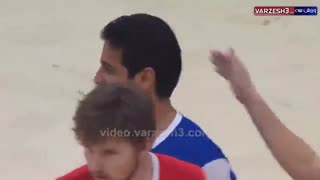 سوپر گل حمید بهزادپور گلر دوم تیم ملی فوتبال ساحلی به پیمان حسینی گلر اول تیم ملی