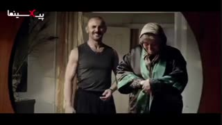 فیلم سینمایی درخونگاه ، دیالوگ بین رضا (امین حیایی) و مادرش