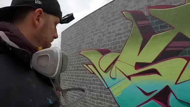 آموزش نقاشی گرافیتی روی دیوار